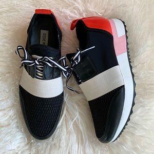 NWOT STEVE MADDEN Sneakers
